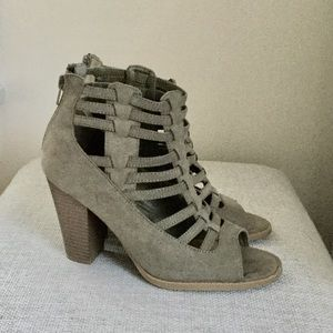 Guess Ope Toe Olive Green Shoties Sandals